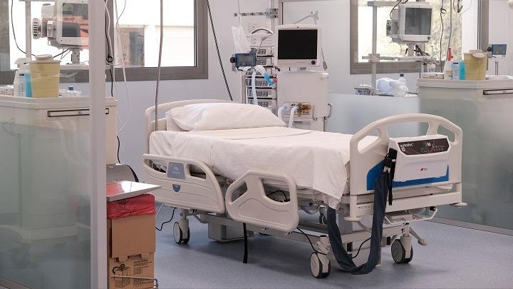 Προχωρά στην επίταξη 200 κλινών COVID από ιδιωτικές κλινικές στην Θεσσαλονίκη η κυβέρνηση