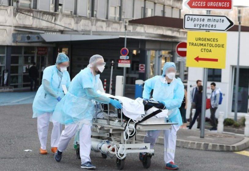 Γαλλία: Μειώθηκαν τα κρούσματα, αλλά αυξήθηκαν δραματικά οι θάνατοι