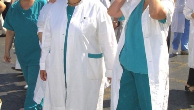 Η Αθήνα γίνεται Θεσσαλονίκη: Δραματικό μήνυμα των νοσοκομειακών γιατρών