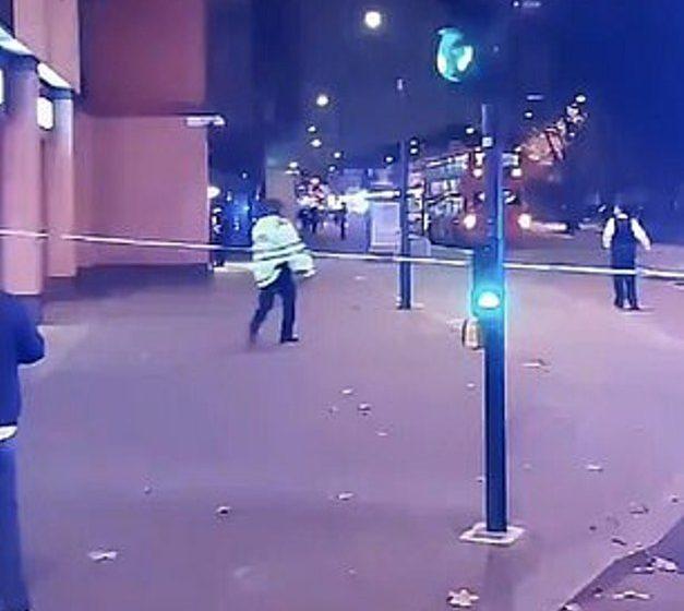 Λονδίνο: Αυτοκίνητο έπεσε σε αστυνομικό τμήμα (vid)