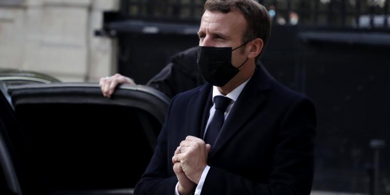 "Mακρόν στους FT: ""Παρερμηνεύθηκαν οι δηλώσεις μου, η Γαλλία δεν πολεμά το Ισλάμ αλλά τον ισλαμιστικό αυτονομισμό"""