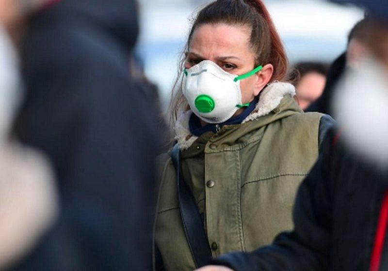 Μάσκα με βαλβίδα: Προστατεύει ή όχι από τον κοροναϊό (νέα μελέτη)