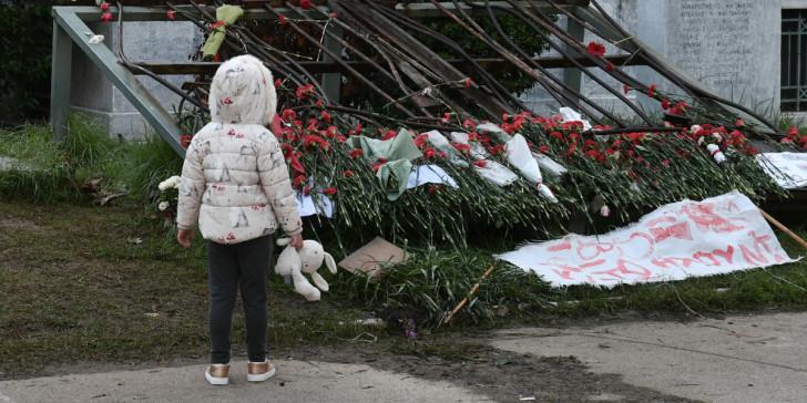 Πρωτοβουλία με κοινό κείμενο Τσίπρα, Κουτσούμπα, Βαρουφάκη για την απαγόρευση συναθροίσεων- Αρνήθηκε η Γεννηματά- Παρέμβαση σε Σακελαροπούλου και Τασούλα