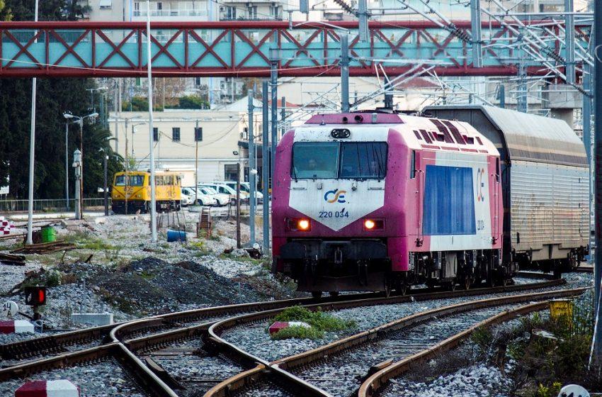 Με ειδικό τρένο από την Θεσσαλονίκη θα μεταφερθούν ασθενείς Covid στην Αθήνα – Σε επιφυλακή η ΤΡΑΙΝΟΣΕ