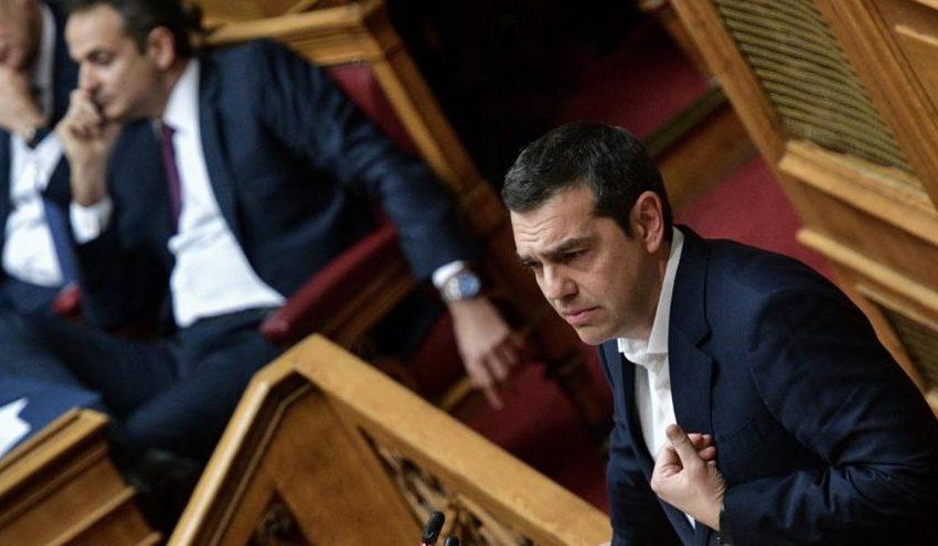 """Σύγκρουση κορυφής στη Βουλή υπό τη σκιά του φονικού δεύτερου κύματος – Τα """"όπλα"""" Μητσοτάκη – Τσίπρα"""