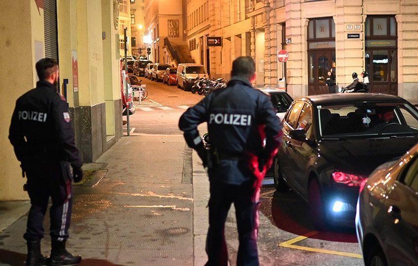 """Έλληνας διευθυντής ορχήστρας στη Βιέννη: """"Είμαστε σοκαρισμένοι από το τρομοκρατικό χτύπημα"""""""