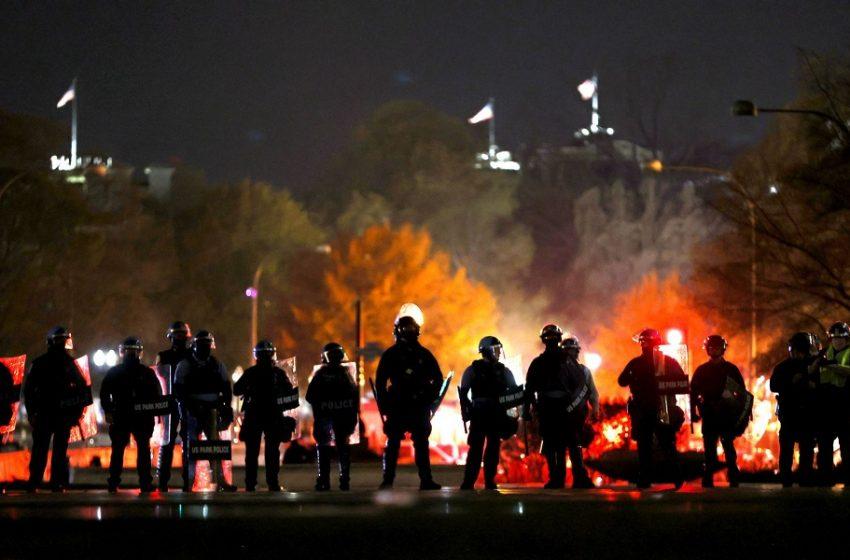 Επικίνδυνη πόλωση στις ΗΠΑ με άγριες συγκρούσεις – Ο Τραμπ αρνείται την ήττα και βγάζει τους οπαδούς του στο δρόμο (εικόνες, vid)