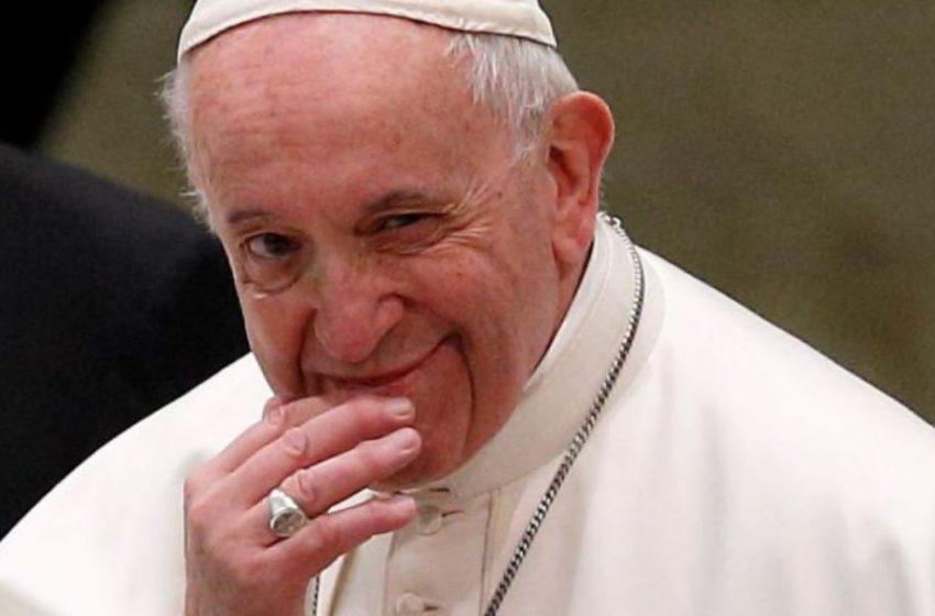 Σάλος με τα like του πάπα Φραγκίσκου σε μοντέλα του Instagram (pics)