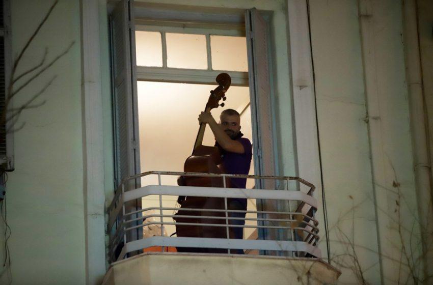 """Γειτονιά της Αλεξάνδρου Σβώλου:"""" Η αντίφαση της επέμβασης της Αστυνομίας στις γειτονιές την στιγμή που τα λεωφορεία είναι ασφυκτικά γεμάτα…"""""""