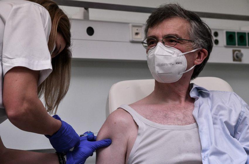 Γιατί ο Σ. Τσιόδρας απουσιάζει (πάλι) από το δημόσιο διάλογο – Τι απαντούν από την κυβέρνηση ότι ασθενεί μετά το εμβόλιο