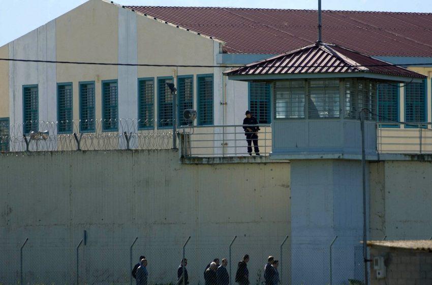 Συνελήφθη σωφρονιστικός υπάλληλος  στις φυλακές Μαλανδρίνου για διακίνηση ναρκωτικών