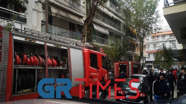 Τραγωδία στη Θεσσαλονίκη – Νεκρός 16χρονος από φωτιά σε διαμέρισμα (vid)