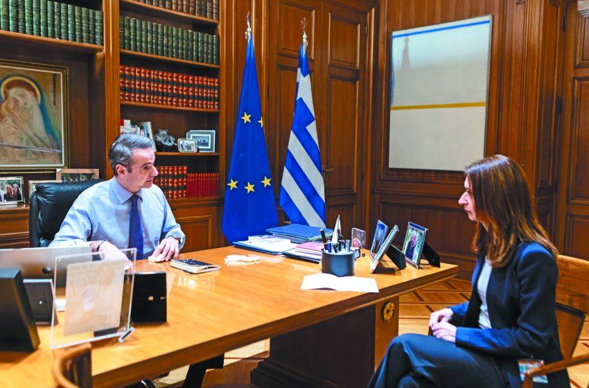 """ΣΥΡΙΖΑ για τις καταγγελίες της Δ.Κρουστάλλη : """"Να πει ξεκάθαρα ο κ.Πέτσας από ποιους και σε ποιους ασκήθηκαν πιέσεις """""""