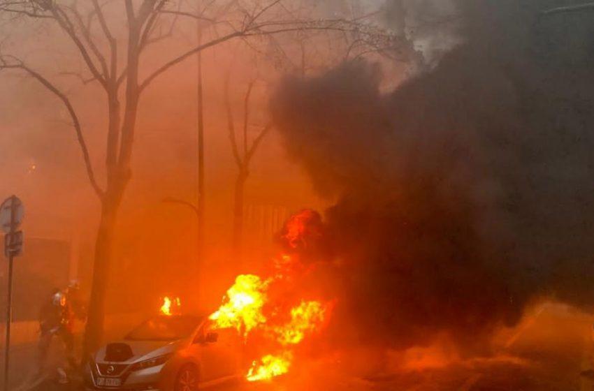 Συγκρούσεις στο Παρίσι- Διαδηλώσεις κατά του νόμου Μακρόν για την ασφάλεια- Δακρυγόνα και συλλήψεις
