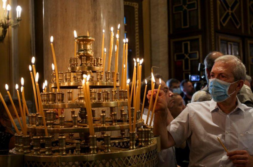 """Ηχηρό μήνυμα ιερέα-ψυχιάτρου προς την Ιερά Σύνοδο για την ασυλία στους αρνητές: """"Η Εκκλησία μας κατάντησε όμηρος φονταμενταλιστών"""""""