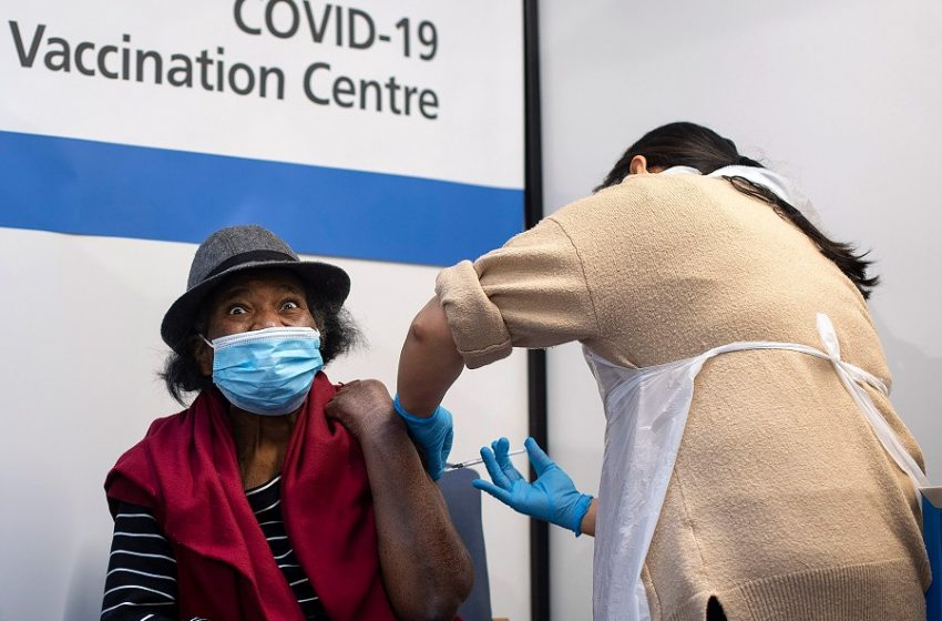 Βρετανία: Όσοι έχουν σοβαρές αλλεργίες δεν πρέπει να κάνουν το εμβόλιο