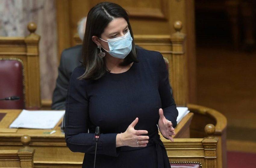 """Ξαφνική τροπολογία Κεραμέως… υπέρ των """"Κολεγίων"""" άνοιξε """"πόλεμο"""" με το ΤΕΕ"""