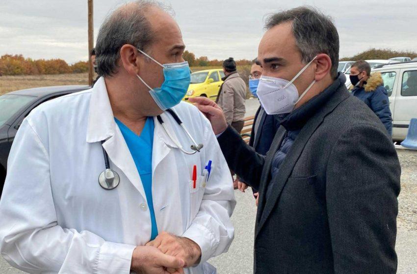 Κοντοζαμάνης: Γιατρός με τον οποίο συναντήθηκε έχει κοροναϊό