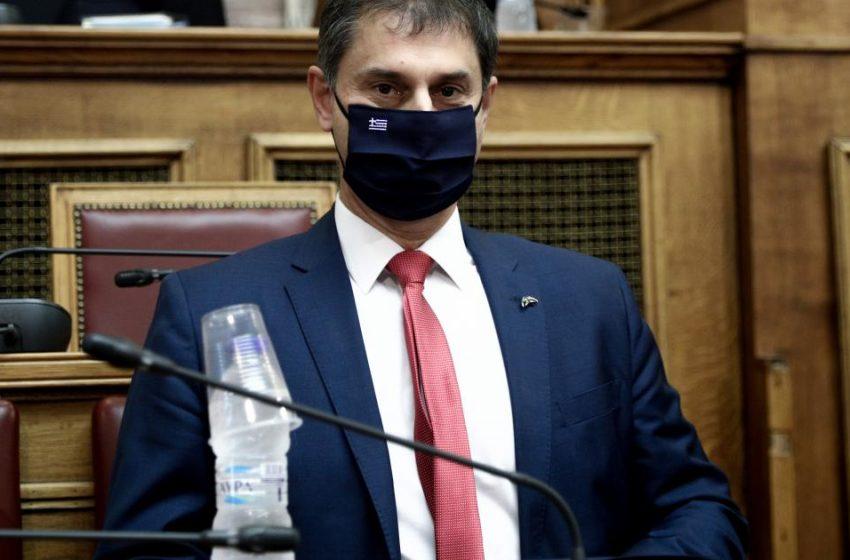"""Θεοχάρης: """"Ζηλευτή"""" η θέση της Ελλάδας στους θανάτους από Covid- ΣΥΡΙΖΑ: Προκλητικό να επιχαίρει με 3.000 νεκρούς…"""