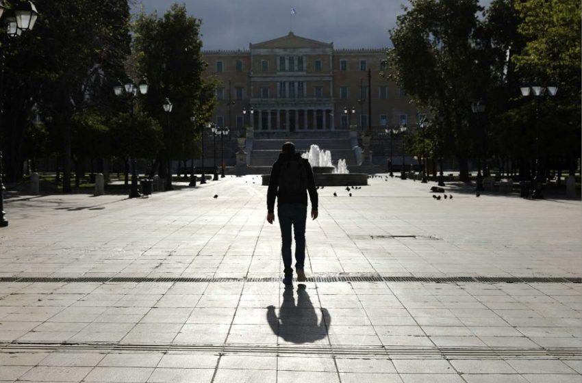 Γιορτές χωρίς μισθό: Περισσότεροι από 33.000 εργαζόμενοι σε αναστολή δεν έλαβαν ειδική αποζημίωση