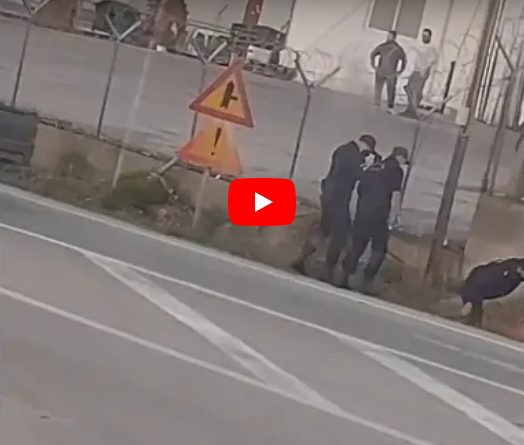 Αστυνομικοί τέθηκαν σε διαθεσιμότητα για αναίτιο ξυλοδαρμό 18χρονου πρόσφυγα – Το βίντεο της ντροπής (vid)