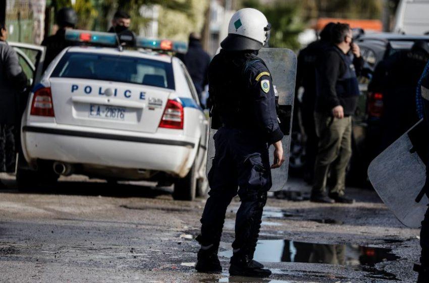 Πυροβολισμοί σε καταυλισμό Ρομά στα Μέγαρα με τραυματίες
