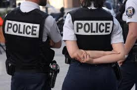 Συναγερμός στο Παρίσι: Ένοπλος κρατά ομήρους (vids)
