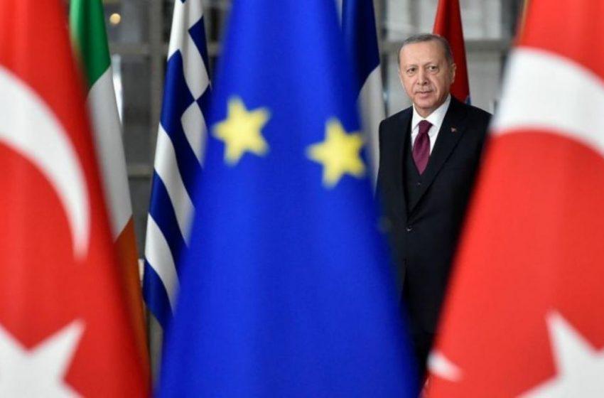 Politico για κυρώσεις στην Τουρκία: Η ΕΕ θέλει να δώσει χώρο στην διπλωματία – Τι προβλέπει το προσχέδιο συμπερασμάτων