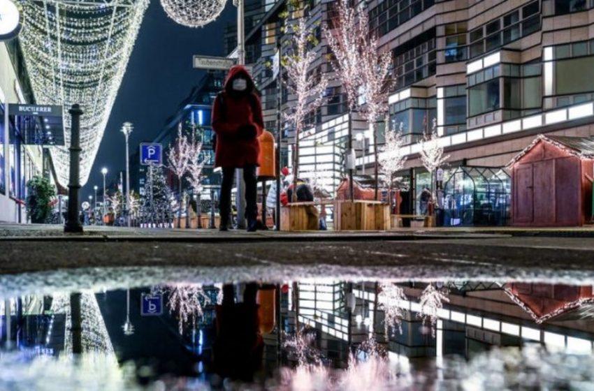 Αυστηρό lockdown ανακοίνωσε η Μέρκελ στην Γερμανία – Μόνο τράπεζες, σούπερ μάρκετ και φαρμακεία ανοιχτά τις γιορτές