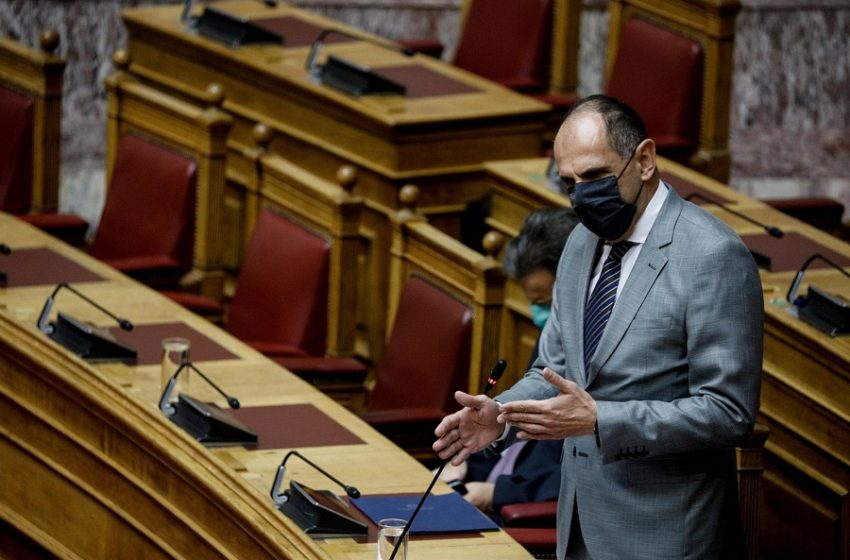 Γεραπετρίτης: Επιβεβαιώνει ότι ο Λιγνάδης υπέβαλε παραίτηση μετά την πρώτη καταγγελία για βιασμό (vid)