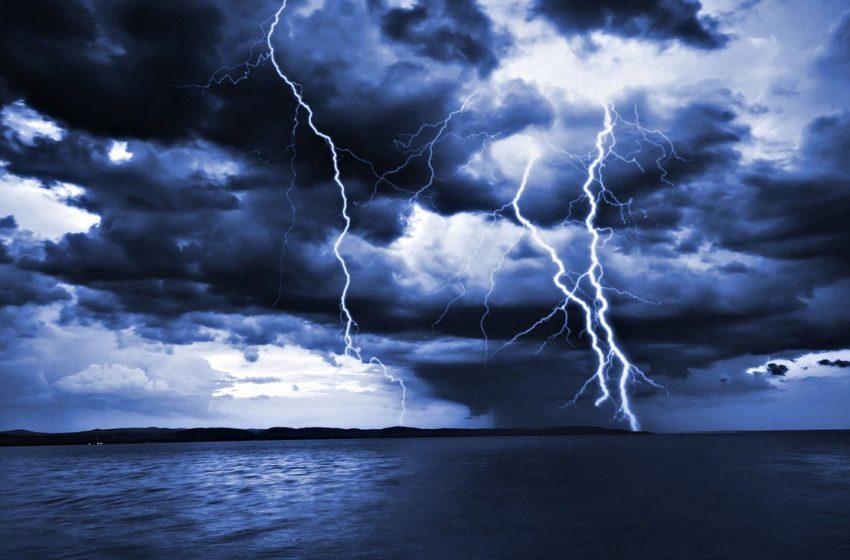Αττική : Καταιγίδες και ισχυροί άνεμοι τη νύχτα