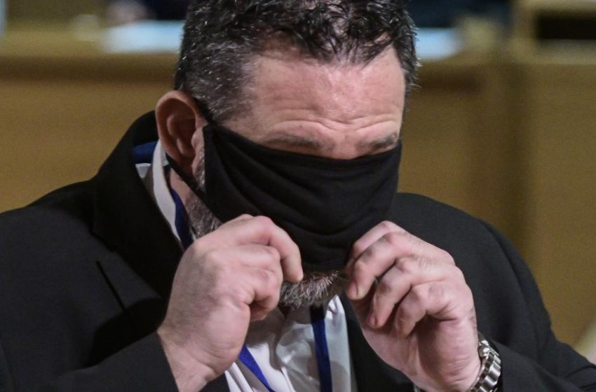 O Λαγός θέλει αποζημίωση 100.000 ευρώ από την Σακελλαροπούλου
