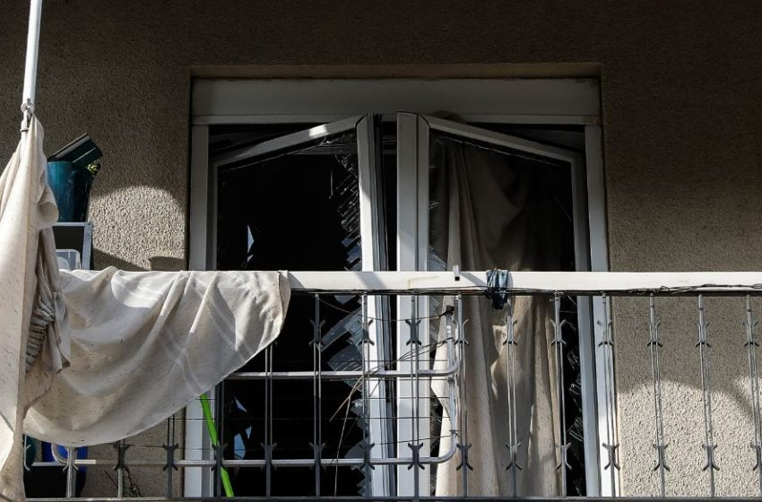 Έκρηξη σε διαμέρισμα στη Λιοσίων – Τραυματίες μια ηλικιωμένη και η κόρη της