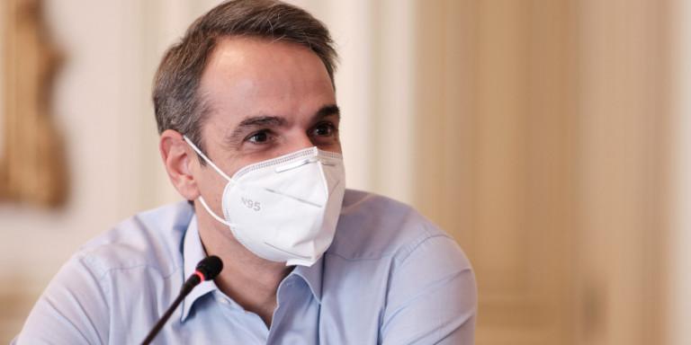 Ο πρωθυπουργός θα καλέσει τους πολιτικούς αρχηγούς να εμβολιαστούν πρώτοι