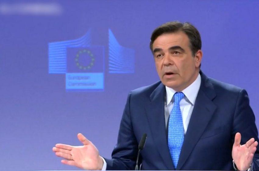 Eπαρκή κάλυψη σε εμβόλια για τους Ευρωπαίους υπόσχεται ο Μ.Σχοινάς