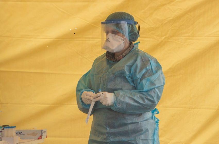 Κοροναϊός: 901 νέα κρούσματα και 58 θάνατοι – Στους 534 οι διασωληνωμένοι