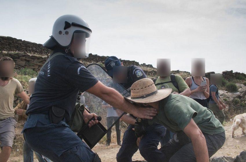 """Κλίμα τρομοκρατίας στην Τήνο: """"Πειρατικά"""" φορτία με ανεμογεννήτριες – Πρόστιμα… covid σε όσους διαμαρτύρονται"""