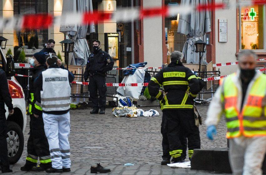 Τραγωδία στη Γερμανία: Ελληνική οικογένεια ανάμεσα στα θύματα στο Τρίερ – Νεκρός πατέρας και το δύο μηνών κοριτσάκι του