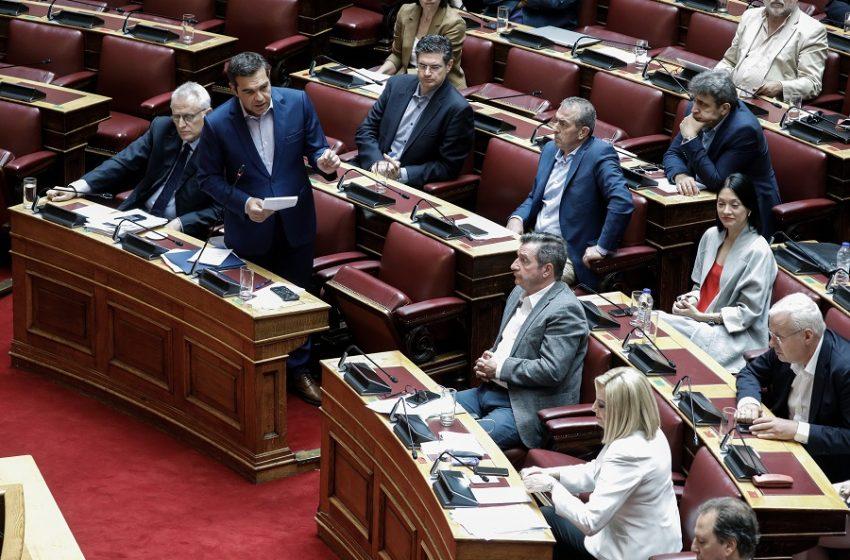 """Πώς τοποθετείται το ΚΙΝΑΛ στο """"κάλεσμα"""" Τσίπρα για νέα κοινωνική και πολιτική πλειοψηφία"""