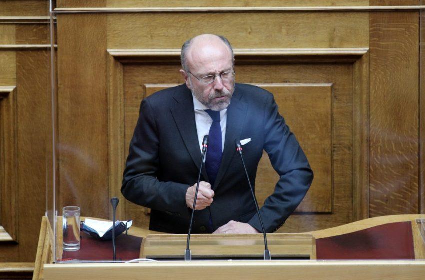 Θεσσαλονίκη: Μπογιές και τρικάκια στο πολιτικό γραφείο βουλευτή της ΝΔ