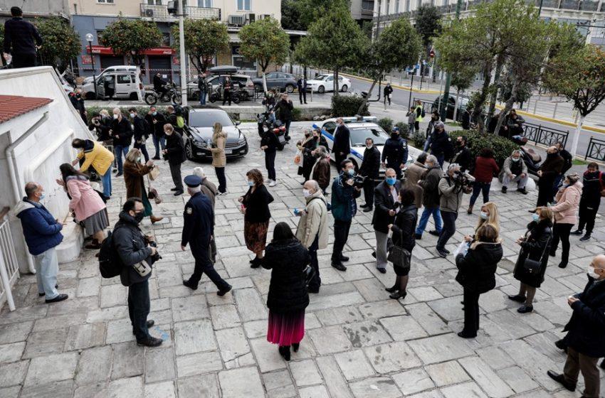 """Ταραντίλης: """"Ο κ.Τσίπρας προτείνει να μείνουν κλειστοί οι ναοί με τη χρήση βίας;"""""""