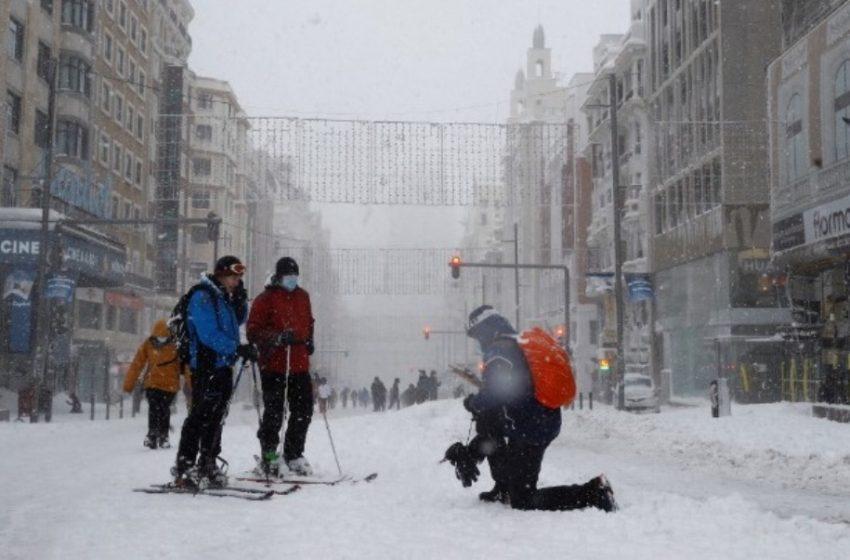 Ισπανία: Σφοδρή κακοκαιρία, δύο νεκροί από χιονοθύελλα