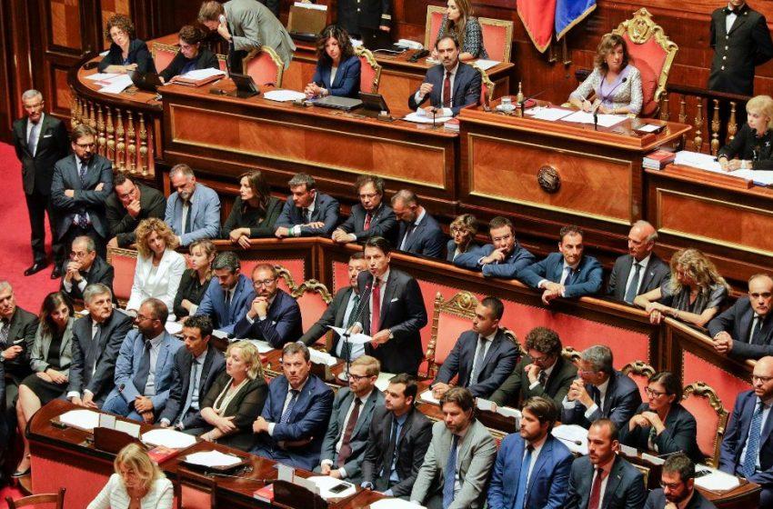 Κυβερνητική κρίση στην Ιταλία: Αποχωρούν οι βουλευτές του Ρέντσι