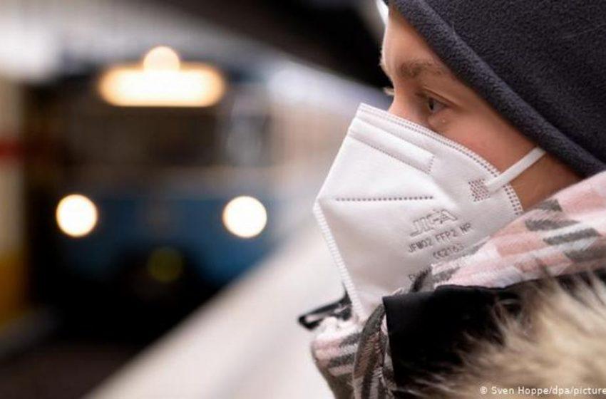 "Spiegel: Οσμή σκανδάλου με τις μάσκες – Αγοράστηκαν σε ""τρομακτική τιμή""-"