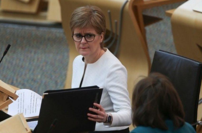 """Σκωτία: """"Ανησυχώ περισσότερο τώρα απ΄ότι τον Μάρτιο"""" λέει η πρωθυπουργός"""