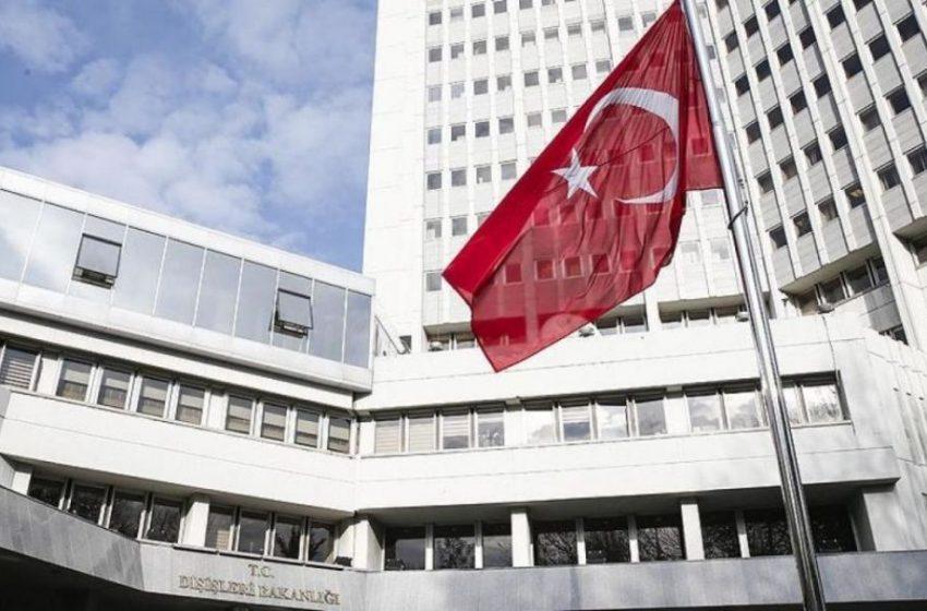 """Εκπρόσωπος κόμματος Ερντογάν: """"Φανατικός και ασεβής ο Δένδιας"""""""