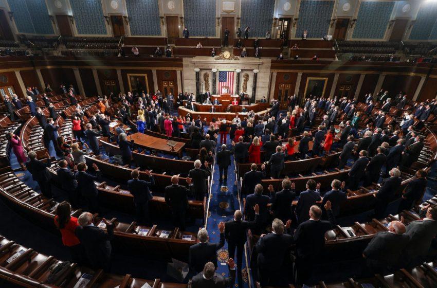 Η Γερουσία επικυρώνει τη νίκη Μπάιντεν – Συνεχίζεται η συνεδρίαση μετά την εισβολή