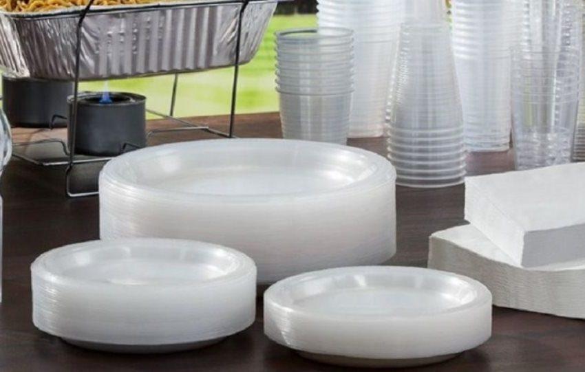 Σταματά η προμήθεια πλαστικών για το Δημόσιο από τον Φεβρουάριο