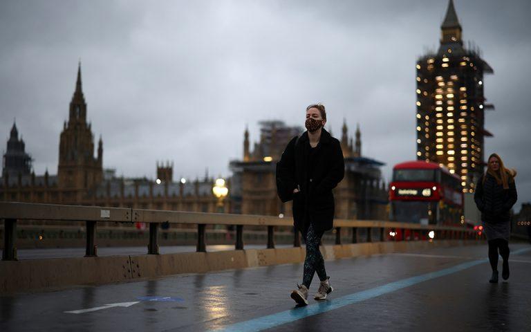 Συναγερμός για την βρετανική μετάλλαξη του ιού- Τι ανησυχεί τους επιστήμονες