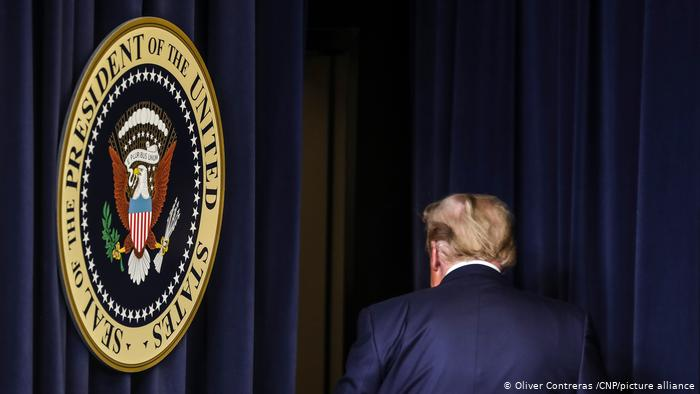 SZ: Ο Τραμπ φεύγει, το μίσος παραμένει
